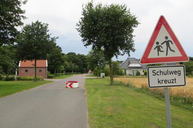 Schulweg_kreuzt_web640