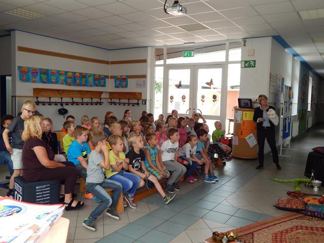 Andrea Erne besucht Grundschule Walchum 01 (Copy)